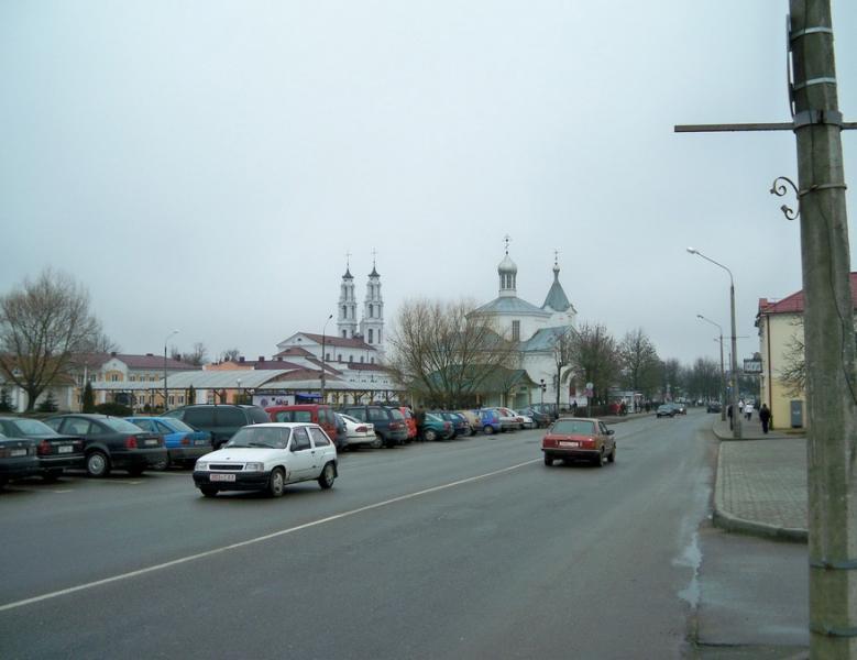 Вид на Ошмянский костел и Воскресенскую церковь